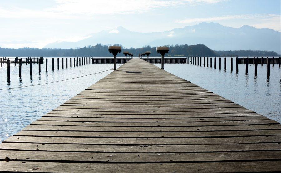 向こうへ続く橋